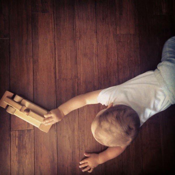 Drewniana podłoga do pokoju dziecka